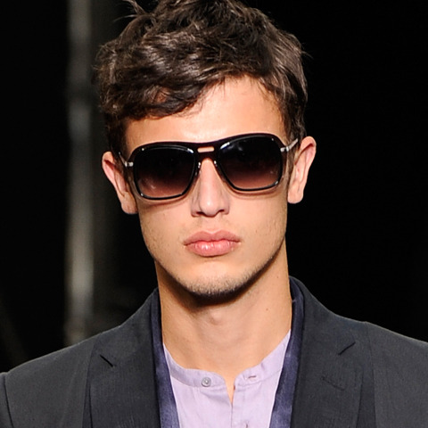 http://gorganet3.persiangig.com/sunglass/louis-vuitton-men-2010-sunglasses.jpg